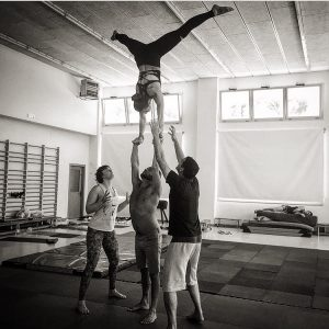 Yoga, AcroYoga handstand
